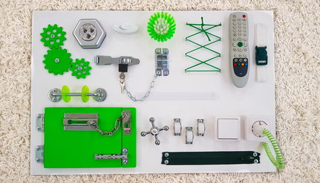 Бизиборд планшет большой зеленый (60*40 см)