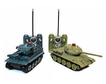 Танковый бой ABToys T-34 vs Tiger на радиоуправлении