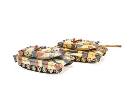 Танковый бой Huan Qi HQ558 Abrams vs Abrams масштаб 1:24